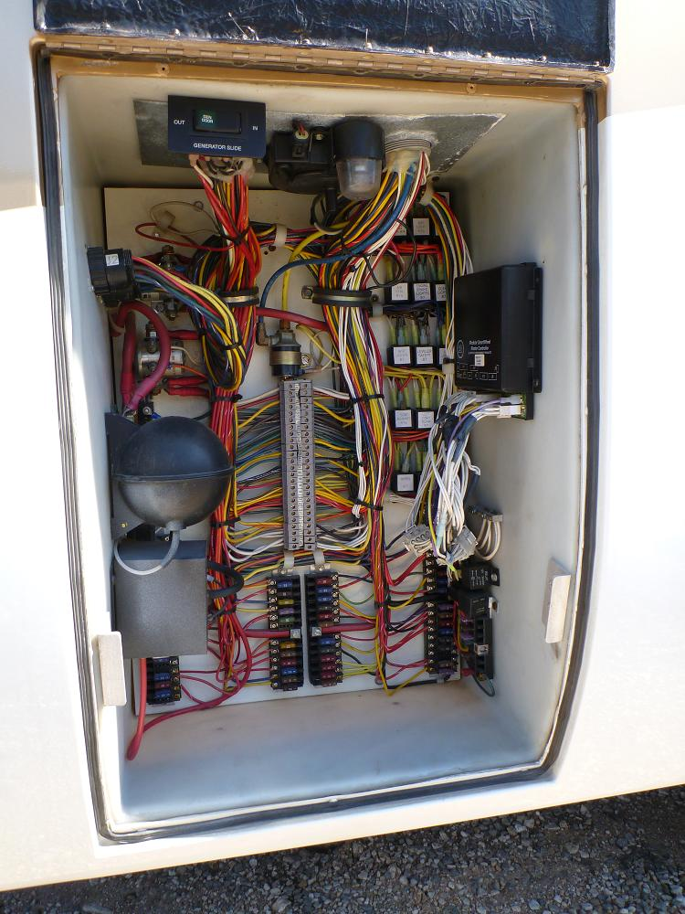 img_1407572_0_c45da69c4649557fa580107fcdea3ad8 mh has no chassis electrical power page 2 irv2 forums  at bayanpartner.co