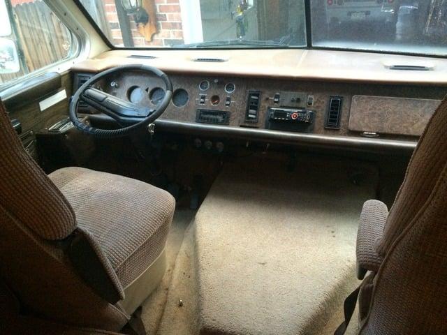 My brand spanking new 1977 Sportscoach (Mopar) - iRV2 Forums