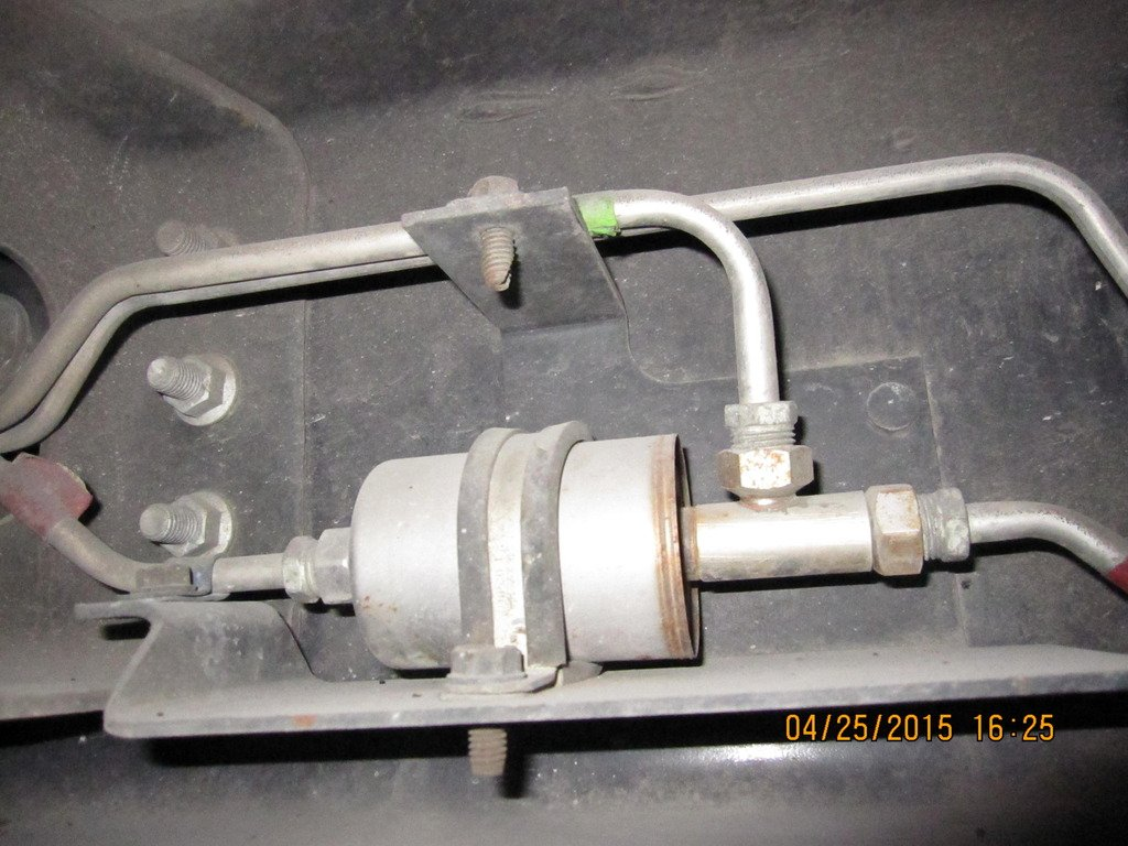 Changing Gas Fuel Filter 81 Winnebago Owners Online Community 2003 Accord This Image Has Been Resized Click Bar To View The Full Original Is Sized 12
