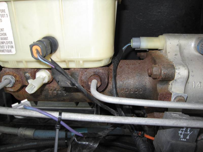 Need help w/master brake cylinder - iRV2 Forums