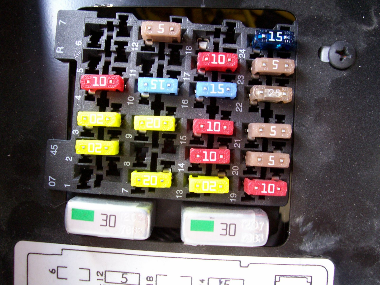 Click image for larger version  Name:Fuse Block.jpg Views:56 Size:341.6 KB ID:10100