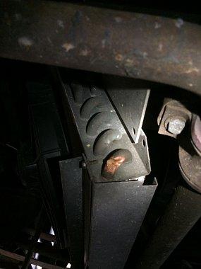 Click image for larger version  Name:Bow's damaged compressor 1.jpg Views:90 Size:118.6 KB ID:103314