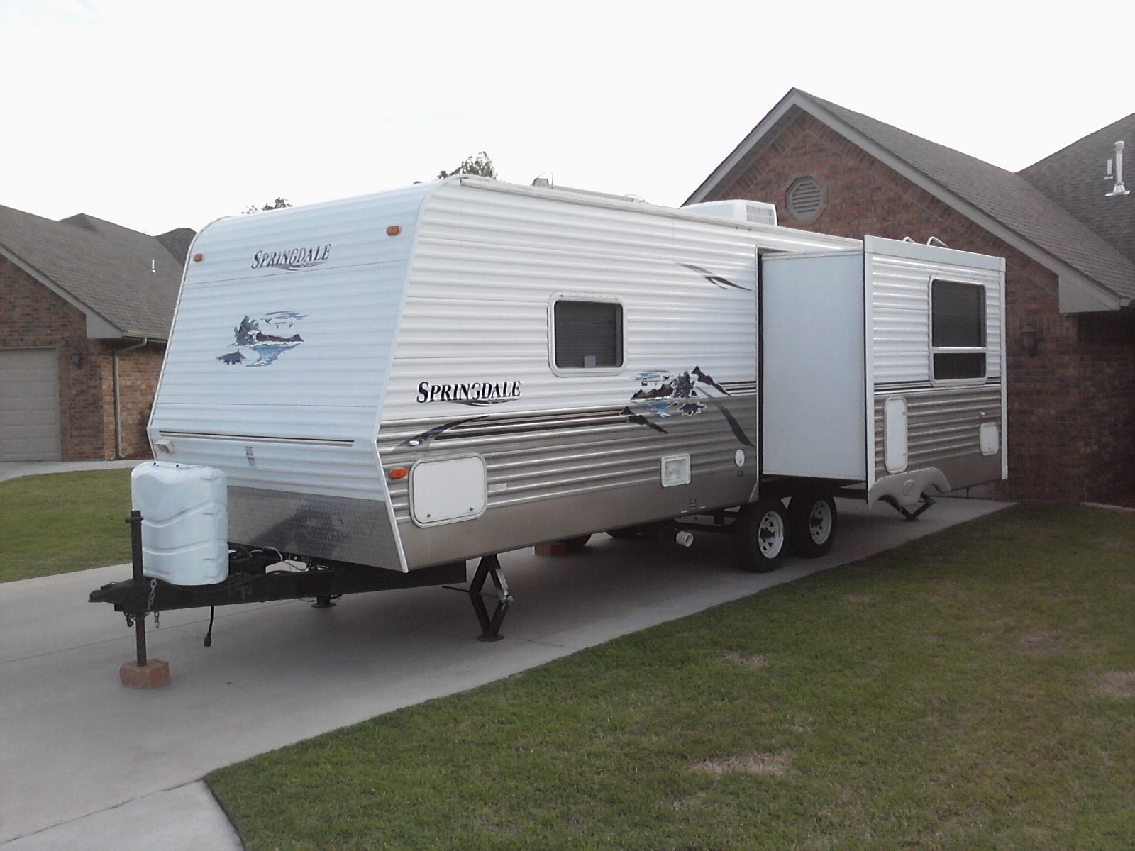 Click image for larger version  Name:keystone trailer 001.jpg Views:109 Size:324.8 KB ID:10352