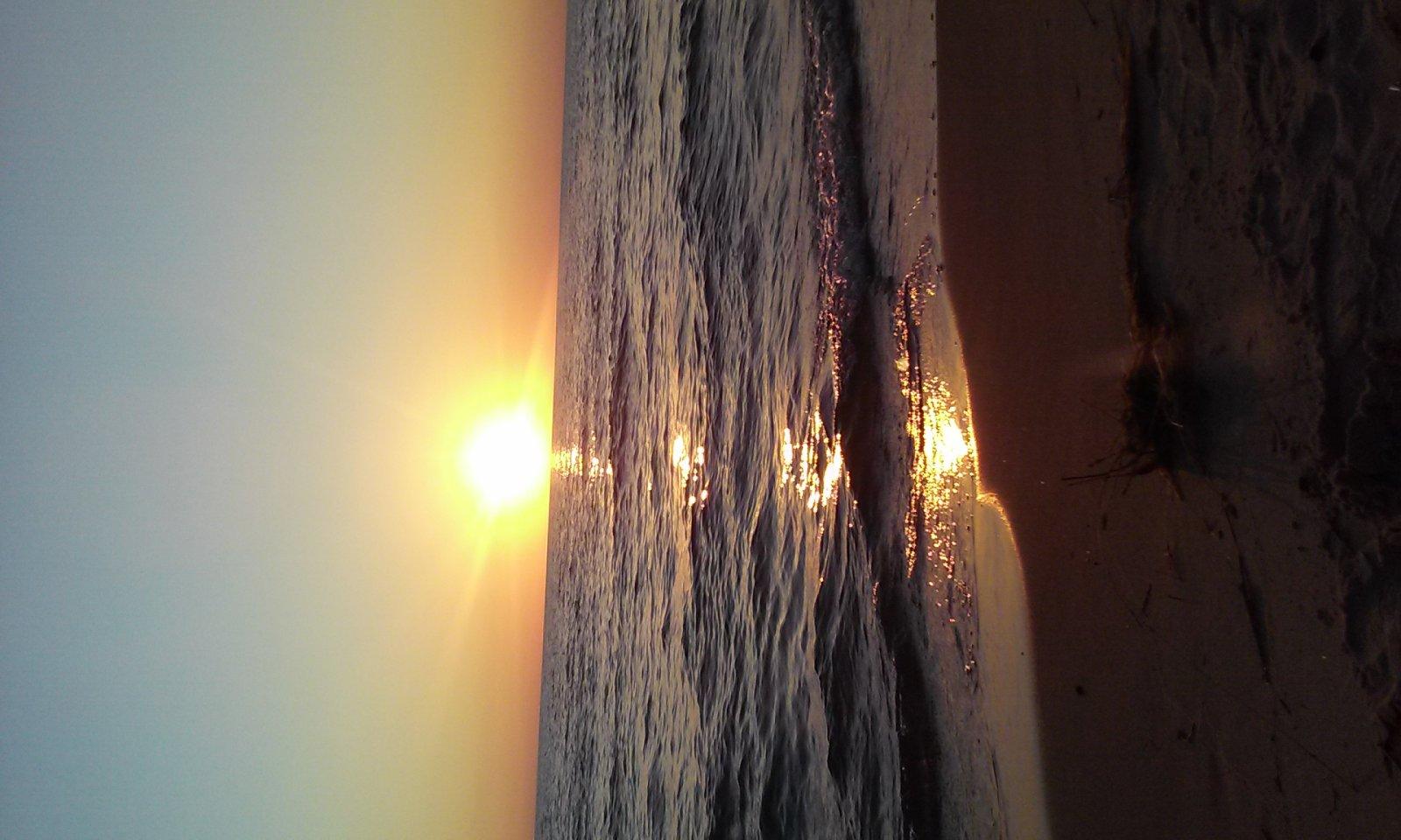 Click image for larger version  Name:Sunset lake MI 2015.jpg Views:120 Size:187.9 KB ID:105302