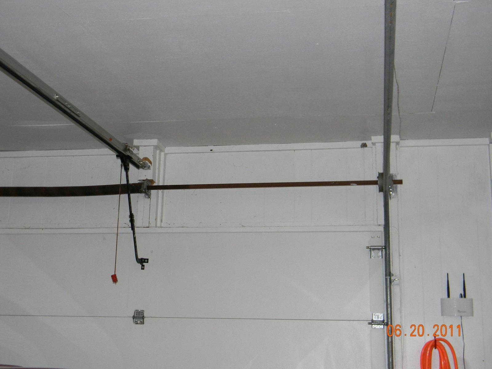 Click image for larger version  Name:garage June 2011 002.jpg Views:44 Size:163.3 KB ID:11391