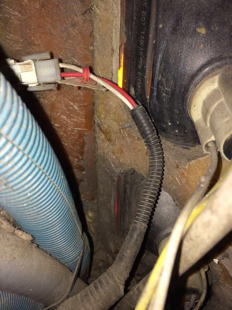 3rd Brake Light Help 03 Diplomat Irv2 Forums Monaco Motorhome Wiring Click Image For Larger Version Name Imageuploadedbyirv2 Rv Forum1452105501498946 Views