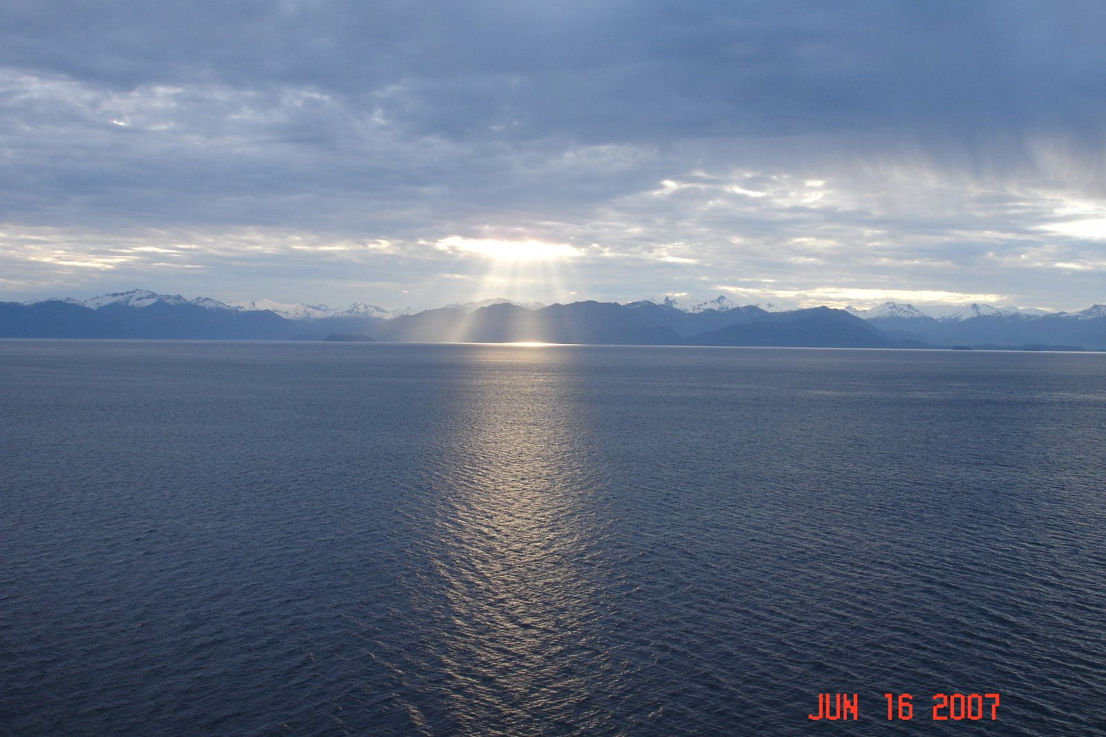 Click image for larger version  Name:Alaska 2007 001.jpg Views:71 Size:261.0 KB ID:116610