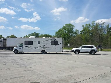 Click image for larger version  Name:Jeep and RV.jpg Views:96 Size:254.7 KB ID:123559
