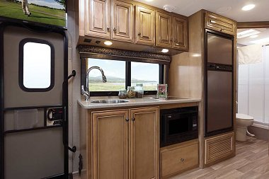 Click image for larger version  Name:2017-Synergy-SD24-Regal-Onyx-Monterey-Maple-kitchen.jpg Views:386 Size:64.7 KB ID:128314