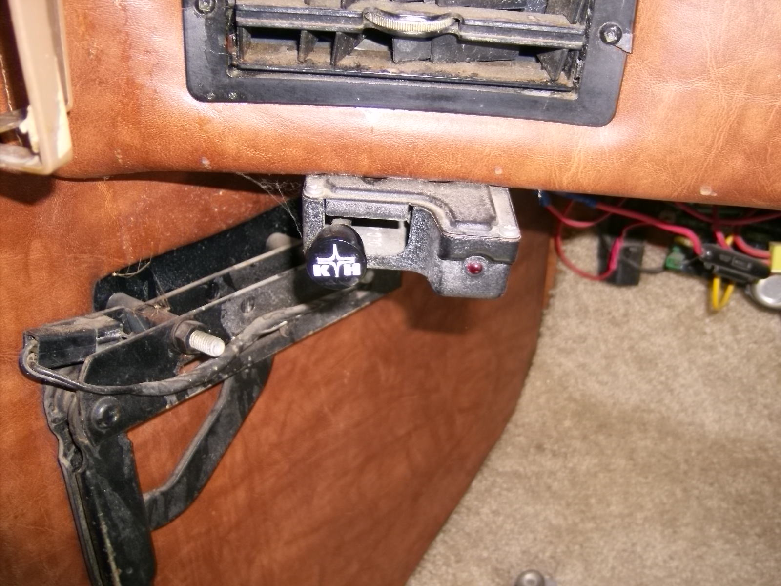 Click image for larger version  Name:brake bleed 001.jpg Views:194 Size:386.9 KB ID:13116