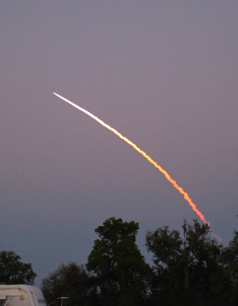 Click image for larger version  Name:Space Launch004 small.jpg Views:41 Size:28.8 KB ID:133