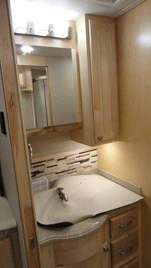 Click image for larger version  Name:bathroom with backsplash.JPG Views:129 Size:36.7 KB ID:133174