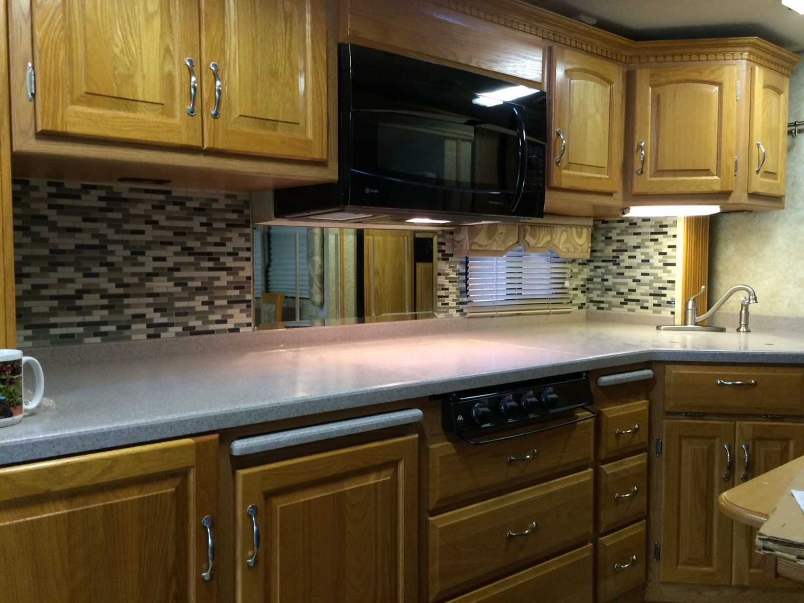 Click image for larger version  Name:kitchen.jpg Views:59 Size:267.5 KB ID:134317