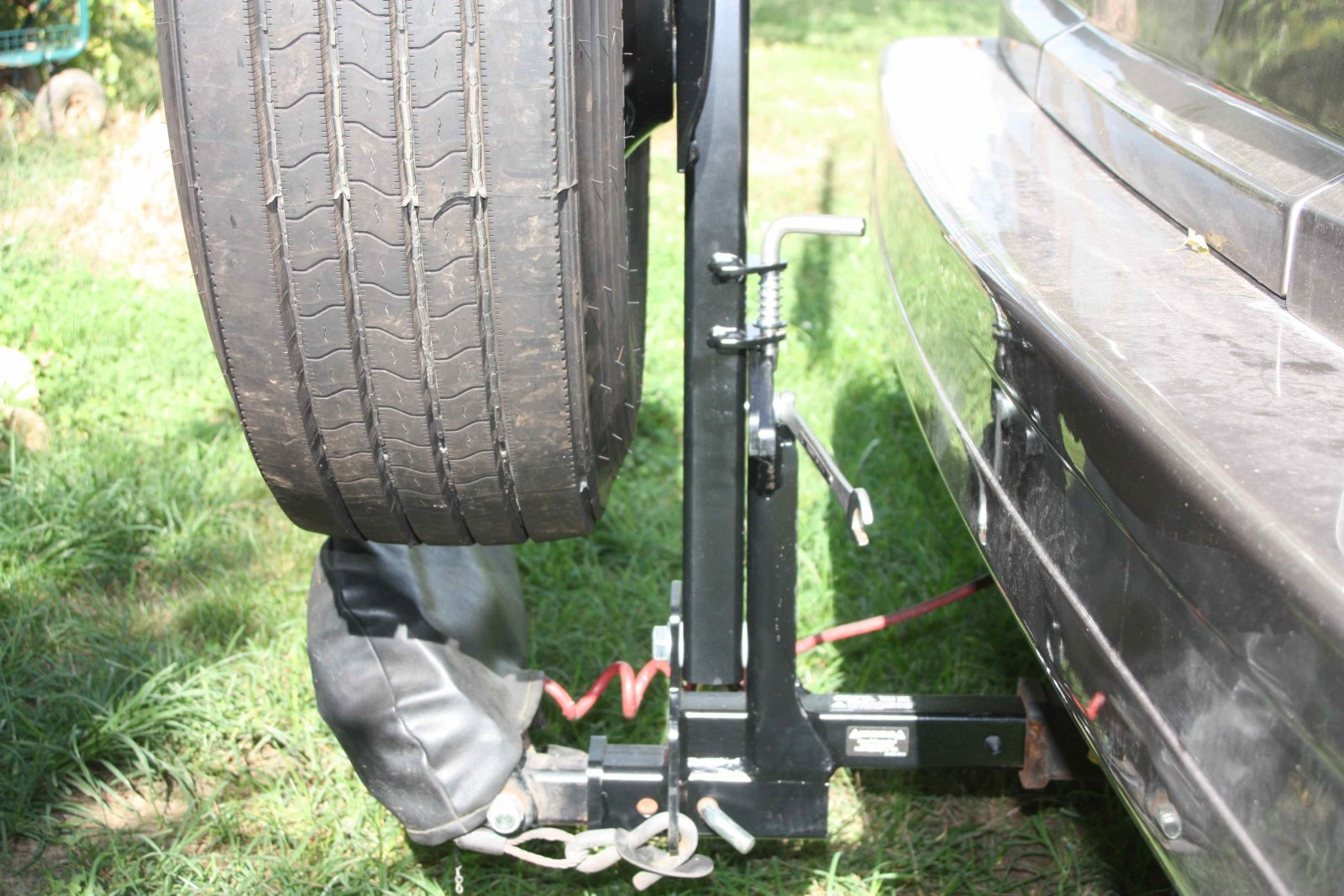 Click image for larger version  Name:Roadmaster Spare Tire Carrier 4.jpg Views:46 Size:302.8 KB ID:151054