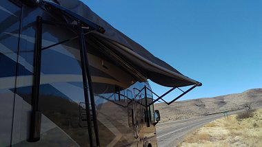Click image for larger version  Name:Rear Awning Arm Detached.JPG Views:1257 Size:273.0 KB ID:154396