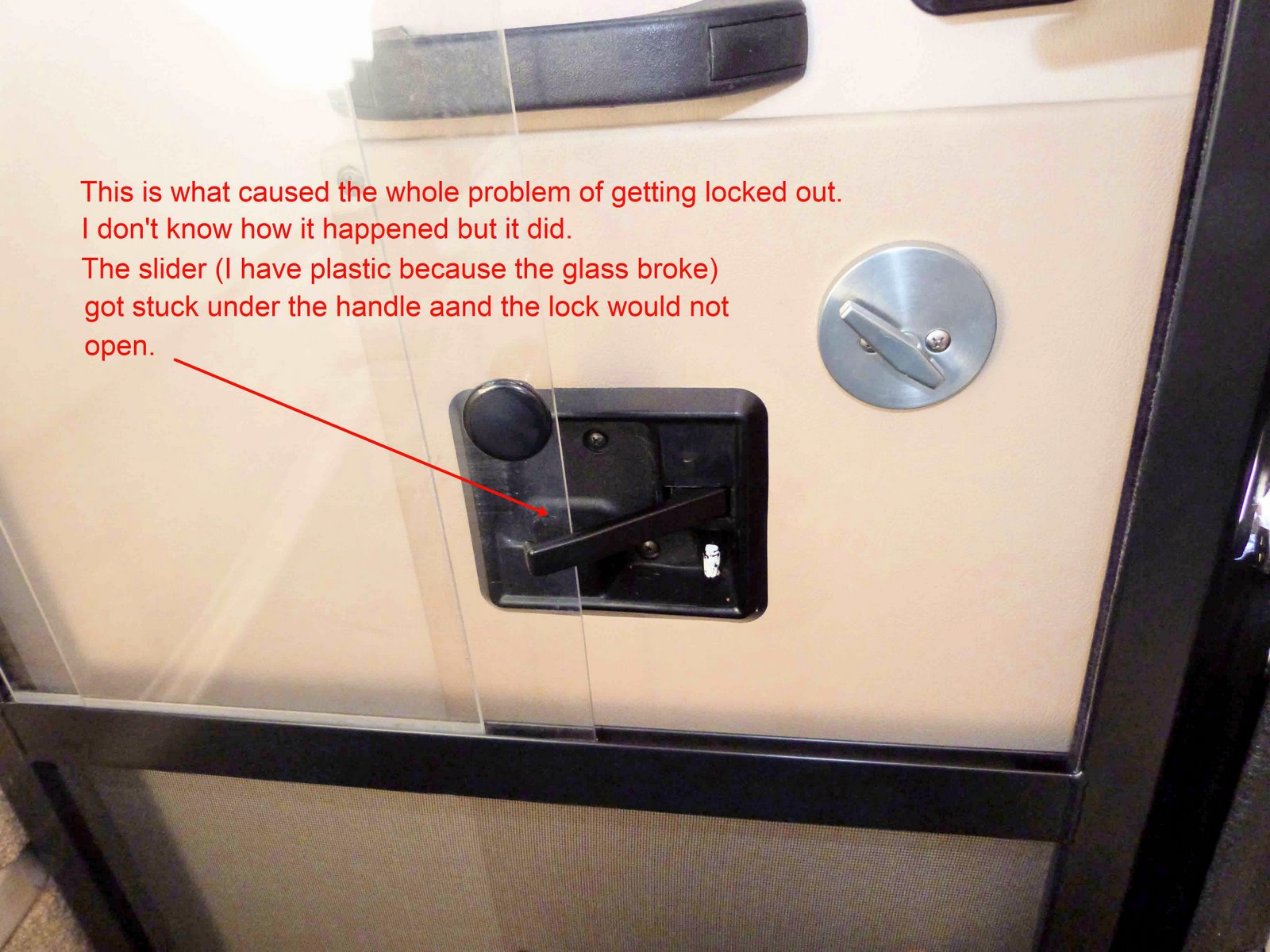 Click image for larger version  Name:Inside Lock.JPG Views:170 Size:267.2 KB ID:16146