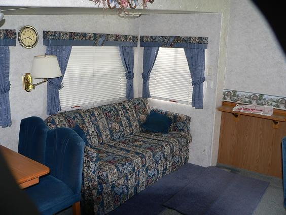 Click image for larger version  Name:camper 044 small.JPG Views:215 Size:58.3 KB ID:17783