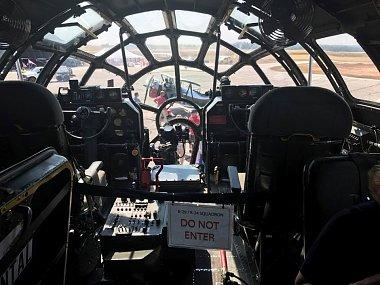 Click image for larger version  Name:B39 Cockpit.jpg Views:207 Size:85.6 KB ID:179493