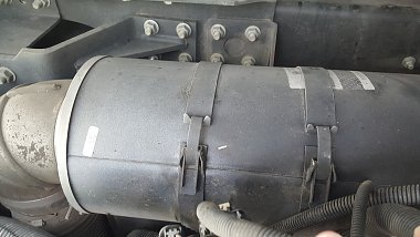 Replacing Engine Air Cleaner Freightliner Chassis Dealers Want