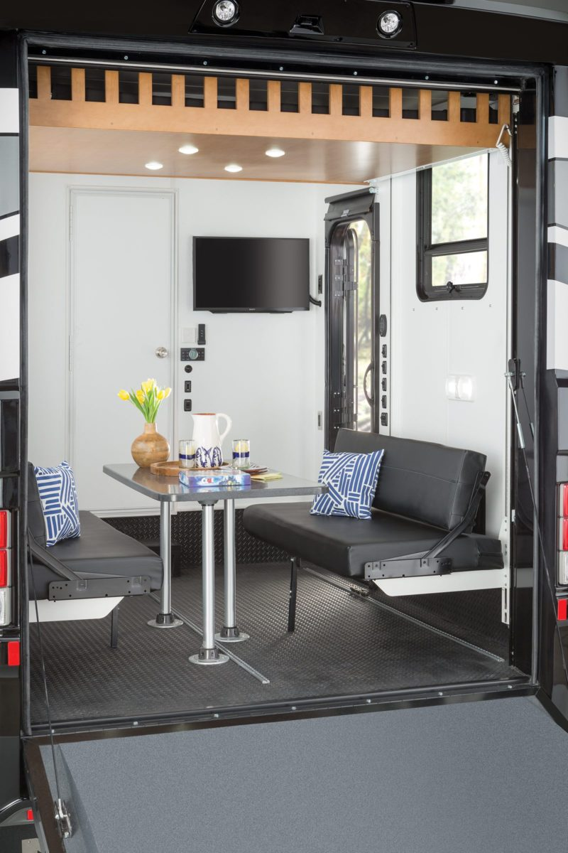 Click image for larger version  Name:2018-canyon-star-toy-hauler-patio-e1499881594365.jpg Views:118 Size:132.6 KB ID:186627