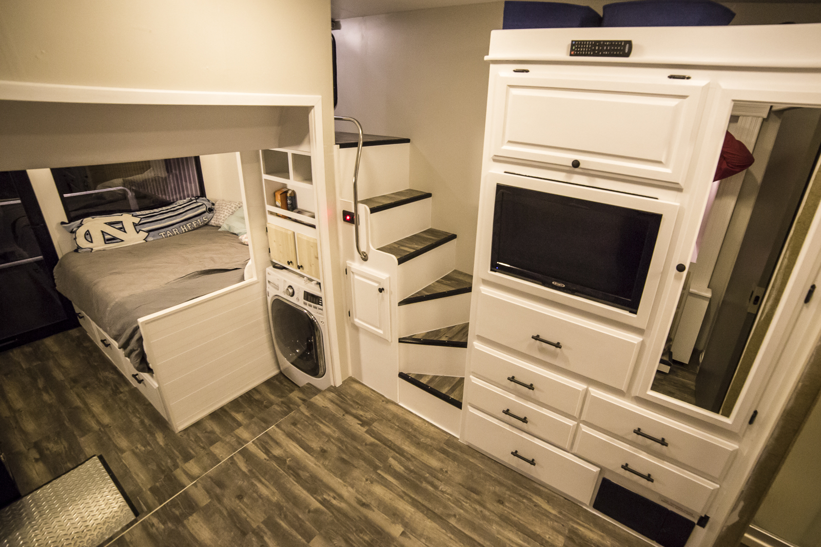 Click image for larger version  Name:RV Renovation Resized-2370.jpg Views:24 Size:1.13 MB ID:189060