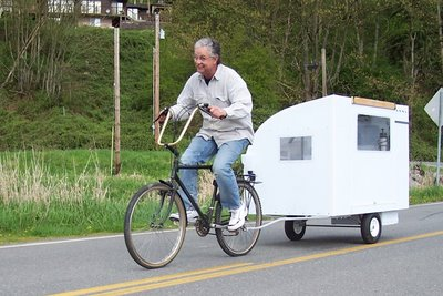 Click image for larger version  Name:Green-RV-pulled-with-bicycle.JPG Views:28 Size:33.0 KB ID:19351