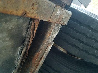 Click image for larger version  Name:exterior rust 2.jpg Views:41 Size:97.2 KB ID:193653