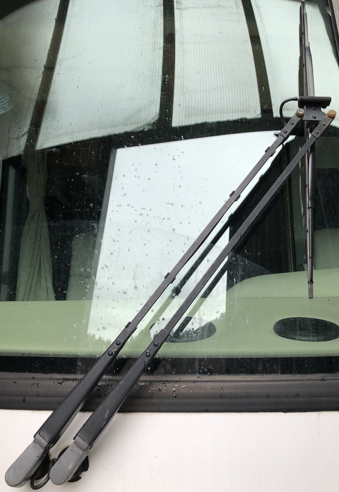 wiper arm jet/nozzle assembly - iRV2 Forums