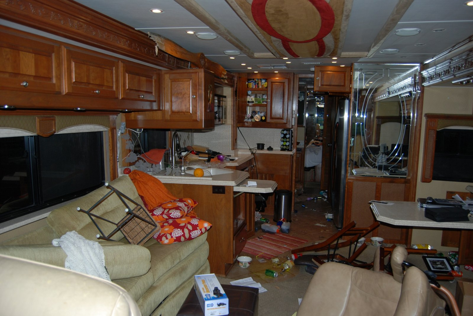 Click image for larger version  Name:Inside mess.jpg Views:542 Size:275.6 KB ID:20317