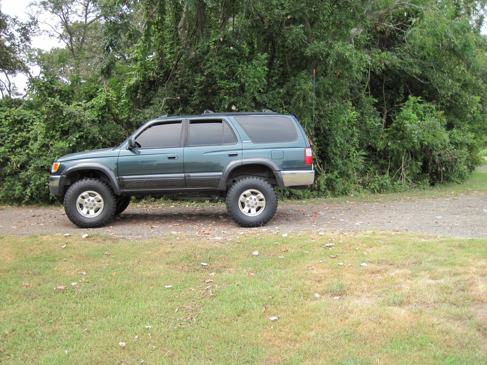 Click image for larger version  Name:4Runner.jpg Views:2899 Size:645.4 KB ID:21131