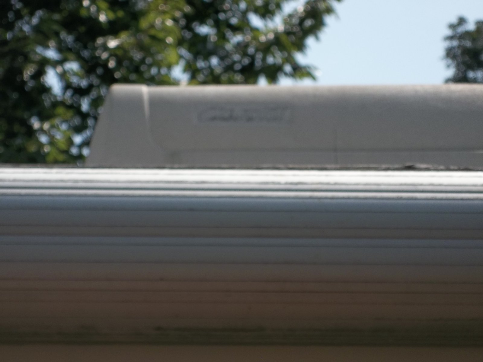 Click image for larger version  Name:roof AC.jpg Views:52 Size:157.3 KB ID:22817