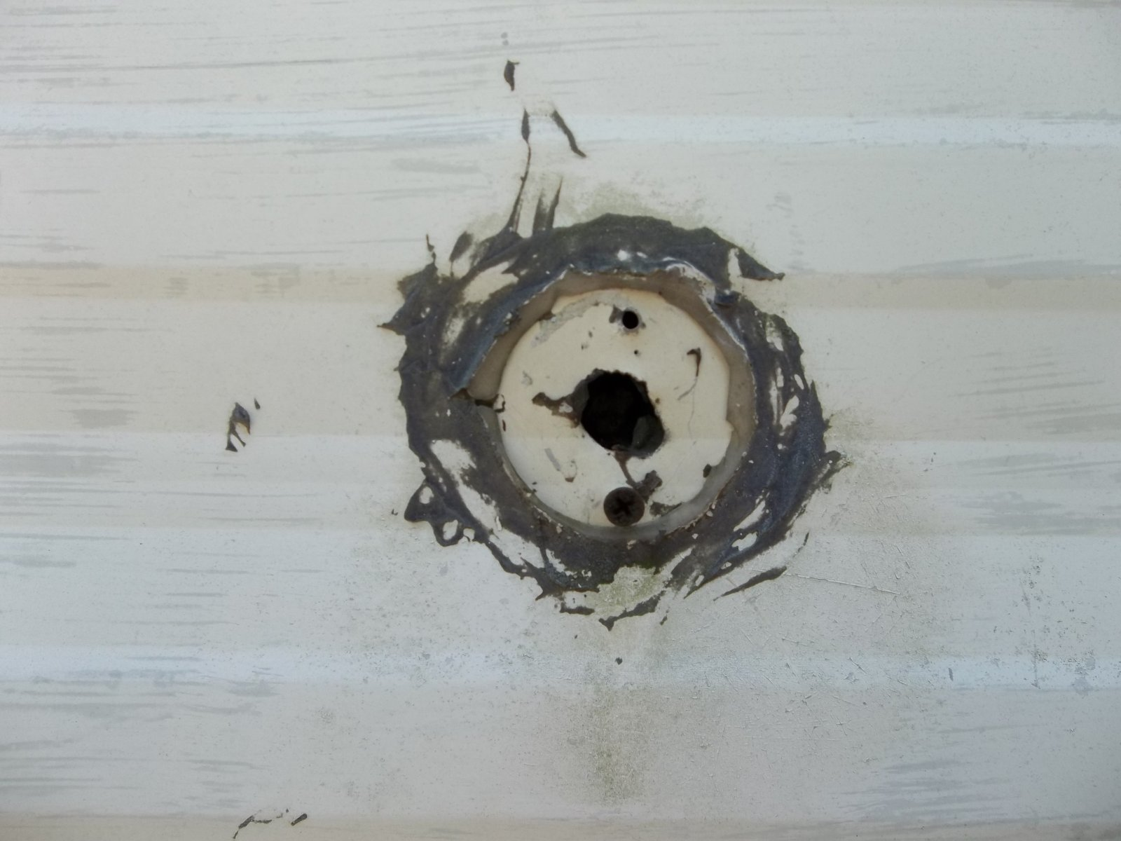 Click image for larger version  Name:hole.jpg Views:67 Size:191.5 KB ID:22818