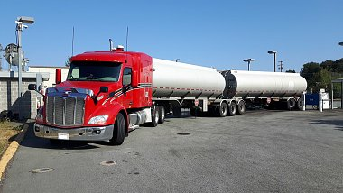 Click image for larger version  Name:Tanker B-Train.jpg Views:23 Size:296.6 KB ID:228237