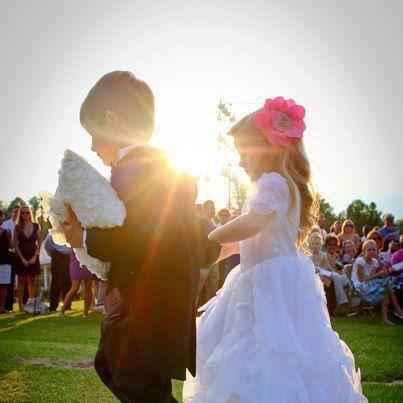 Click image for larger version  Name:wedding kayden.jpg Views:56 Size:23.7 KB ID:24036