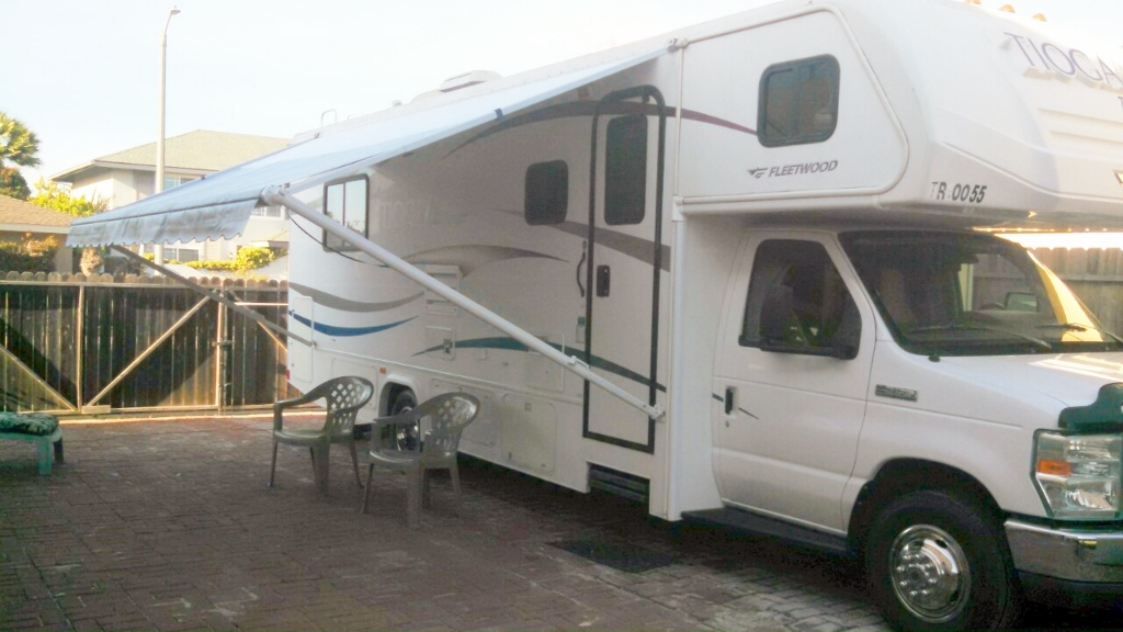Click image for larger version  Name:Tioga with Awning.jpg Views:54 Size:253.7 KB ID:241228
