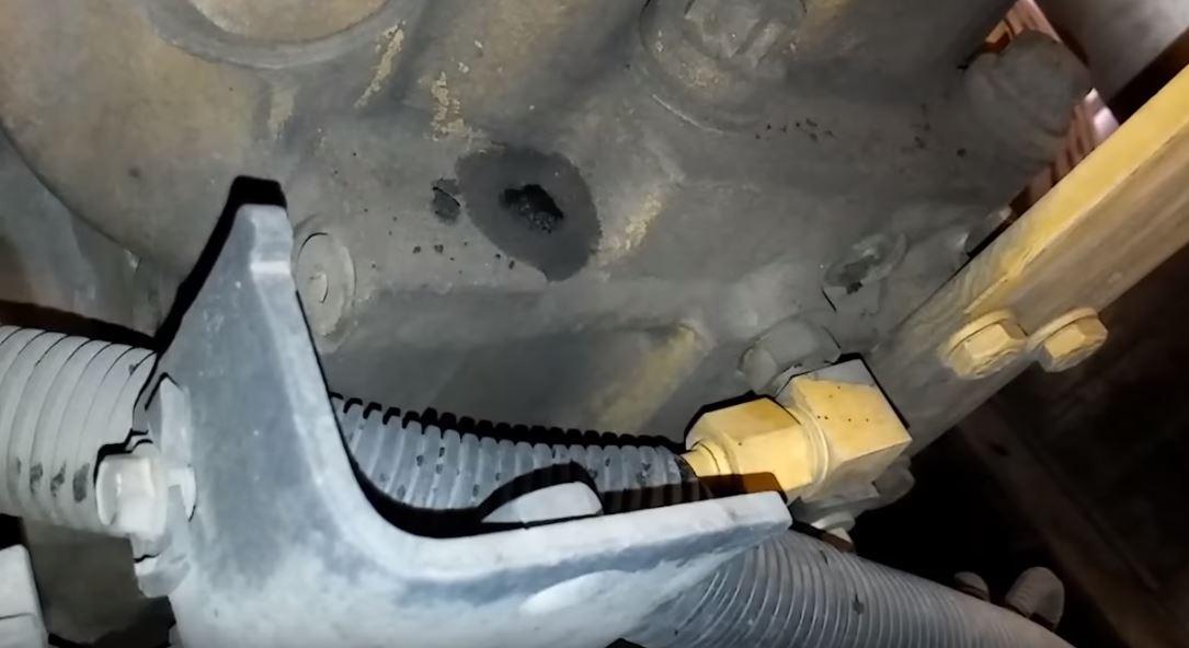 Click image for larger version  Name:Fuel Pressure Regulator - back of head 3126.JPG Views:3 Size:65.2 KB ID:246409
