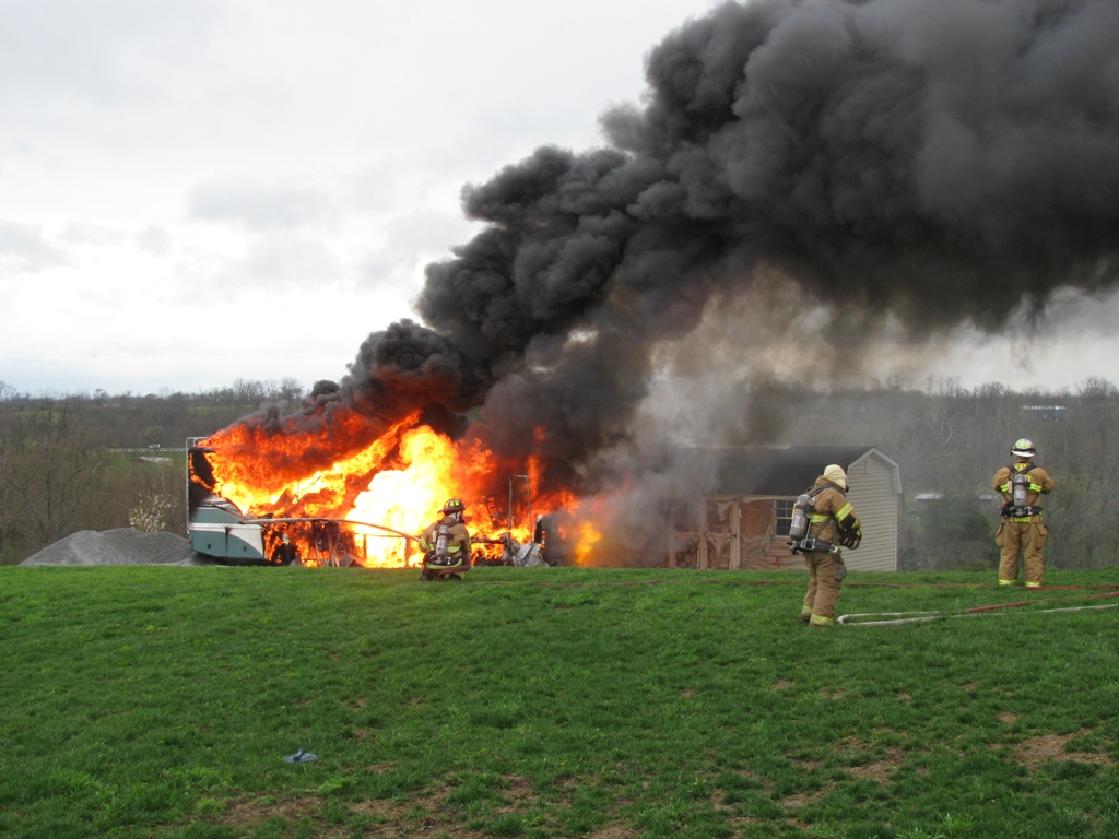 Click image for larger version  Name:BigD Fire (28) 1024 x 768.JPG Views:157 Size:308.1 KB ID:25358
