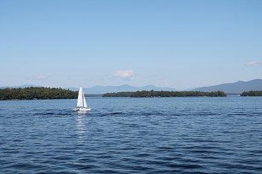 Click image for larger version  Name:Cruise - Lake Winnipesaukee, NH - 09-21-19 - IMG_4354 (800x533).jpg Views:8 Size:196.2 KB ID:261387