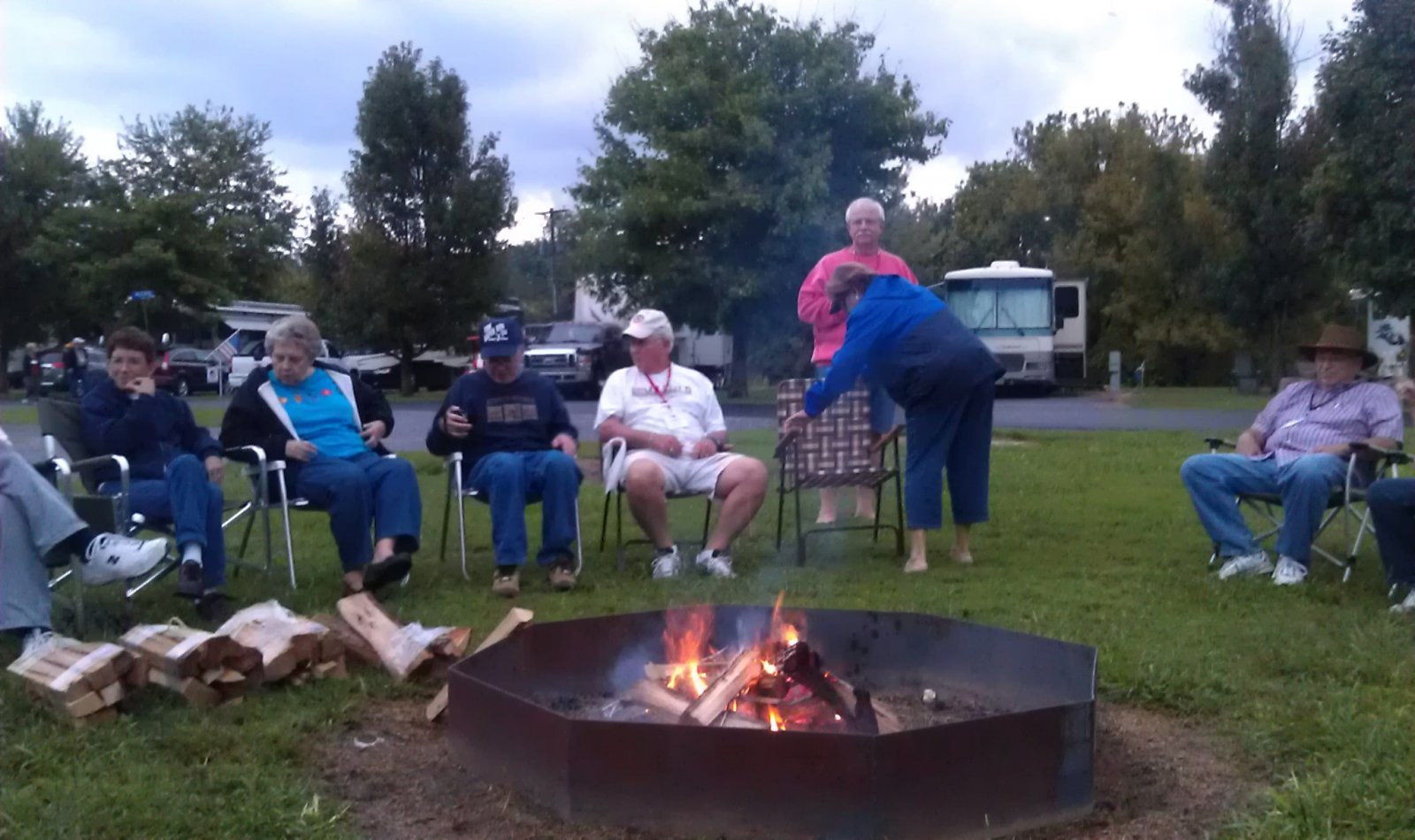 Click image for larger version  Name:campfire 3.jpg Views:89 Size:212.6 KB ID:26220