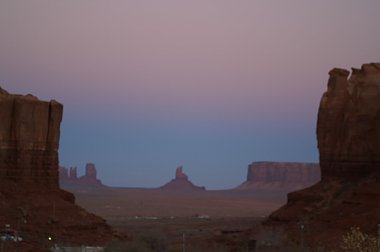 Click image for larger version  Name:Monument Valley.jpg Views:4 Size:78.4 KB ID:273368