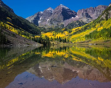 Click image for larger version  Name:maroon bells sept 21.jpg Views:4 Size:134.3 KB ID:277192