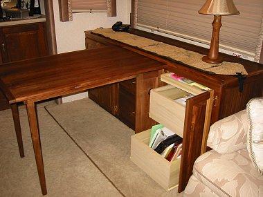 Click image for larger version  Name:RV desk 1.jpg Views:369 Size:838.0 KB ID:28708