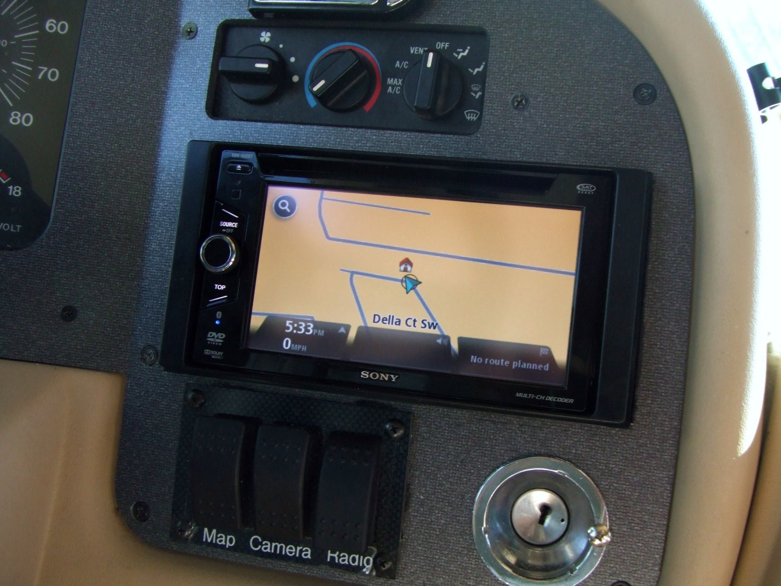 Click image for larger version  Name:TomTom GPS.jpg Views:32 Size:282.8 KB ID:30102