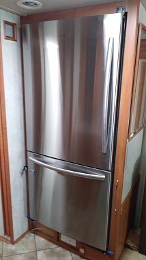 Click image for larger version  Name:New Fridge.jpg Views:15 Size:172.3 KB ID:302139