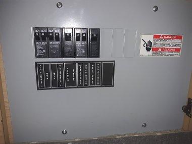 Click image for larger version  Name:1 Main AC Circuit Braker Panel.jpg Views:8 Size:182.4 KB ID:302937