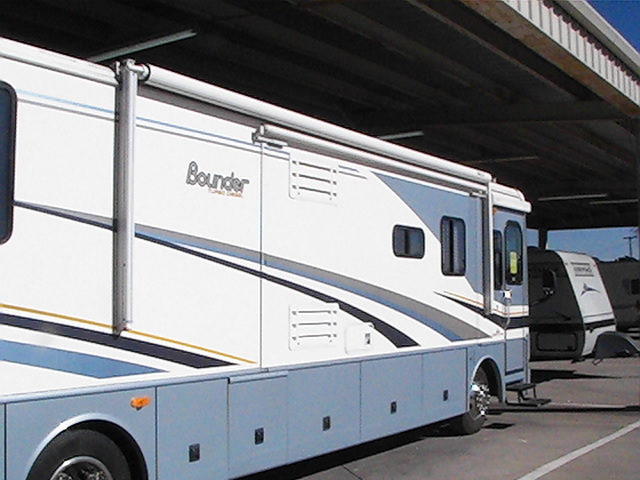 Click image for larger version  Name:2004 bounder27.jpg Views:92 Size:104.4 KB ID:3031