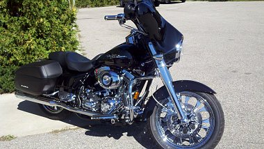 Click image for larger version  Name:harley.jpg Views:618 Size:349.4 KB ID:30485
