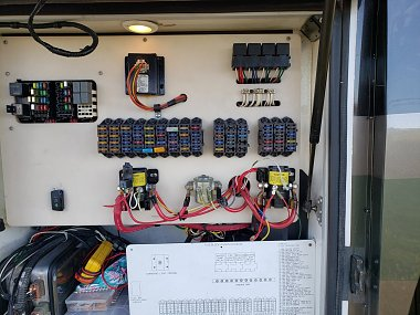 Click image for larger version  Name:1-Fuse Panel.jpg Views:8 Size:464.5 KB ID:308942