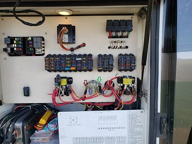 Click image for larger version  Name:Mikki's 1-Fuse Panel.jpg Views:8 Size:270.0 KB ID:308948