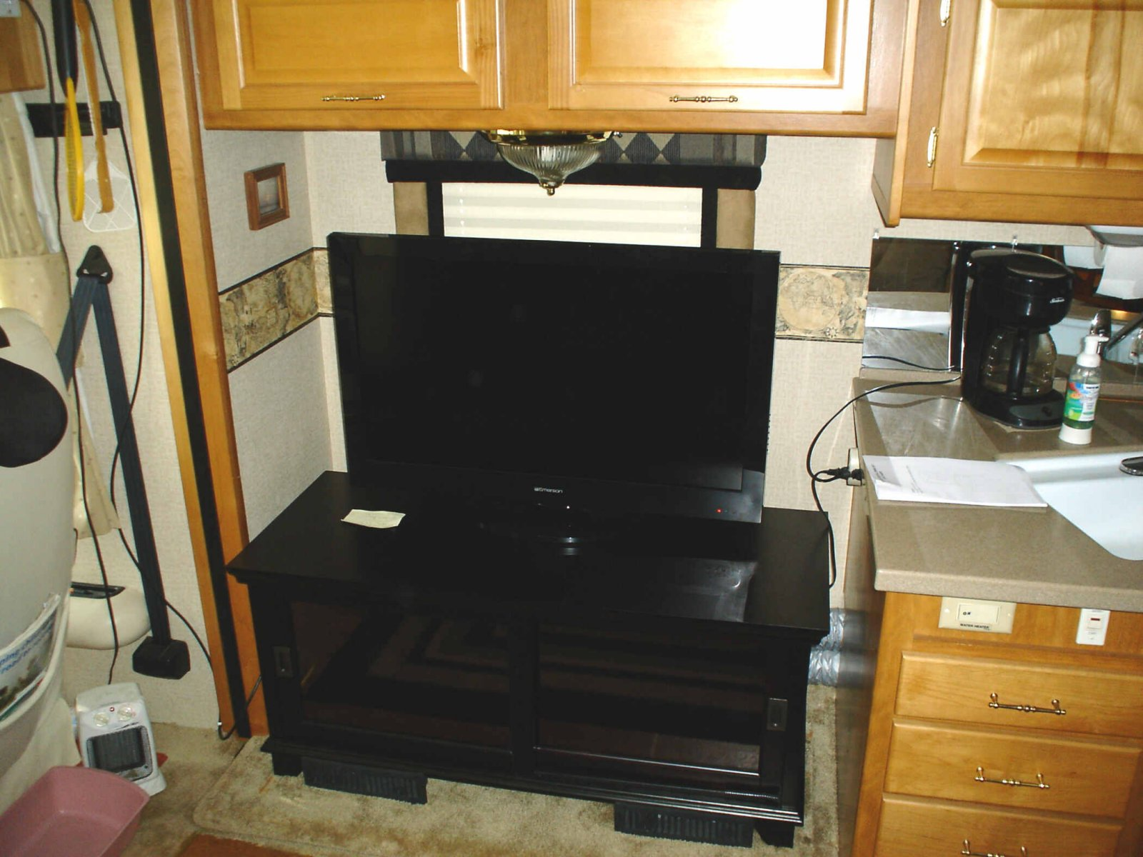 Click image for larger version  Name:New TV & Credenza.jpg Views:57 Size:234.2 KB ID:31446